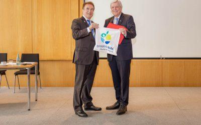 Ministerpräsident Bouffier spendet für gesundekids